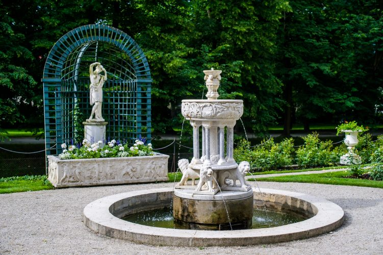 A sculpture in the Łańcut Castle park